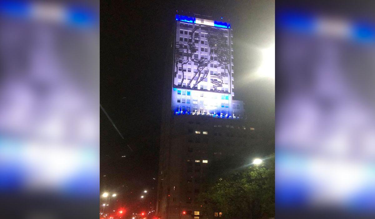 Trabajadores del Ministerio de Desarrollo encendieron las luces de Evita