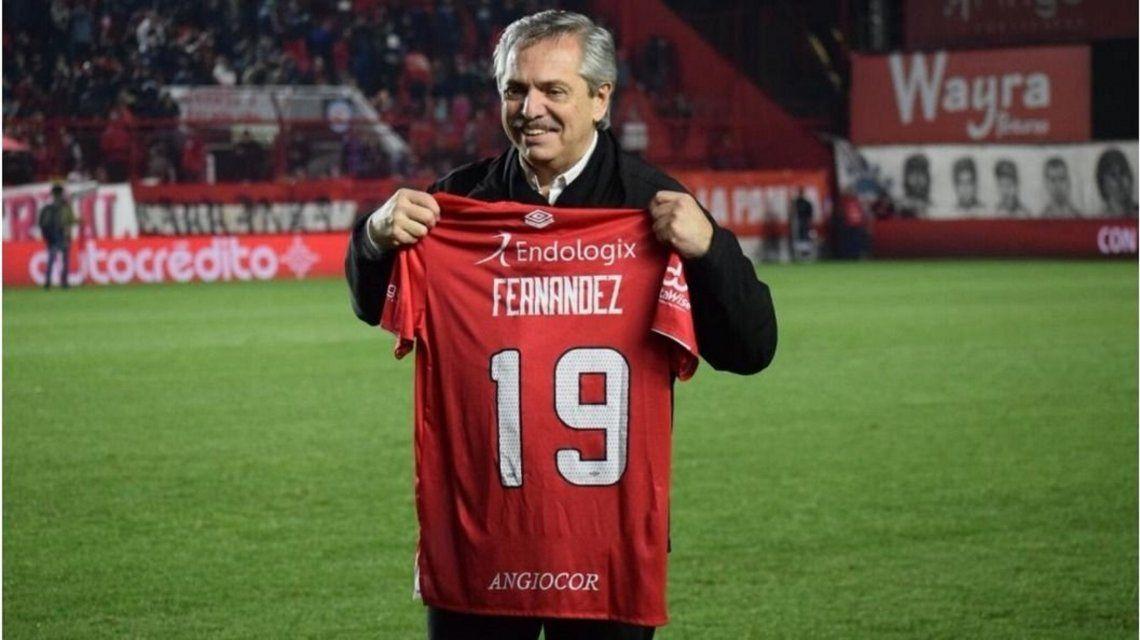 Alberto Fernández le bajó el pulgar a la vuelta del fútbol