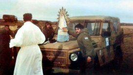 La Virgen de Luján que acompañó a los soldados argentinos en Malvinas no llegará este domingo al país