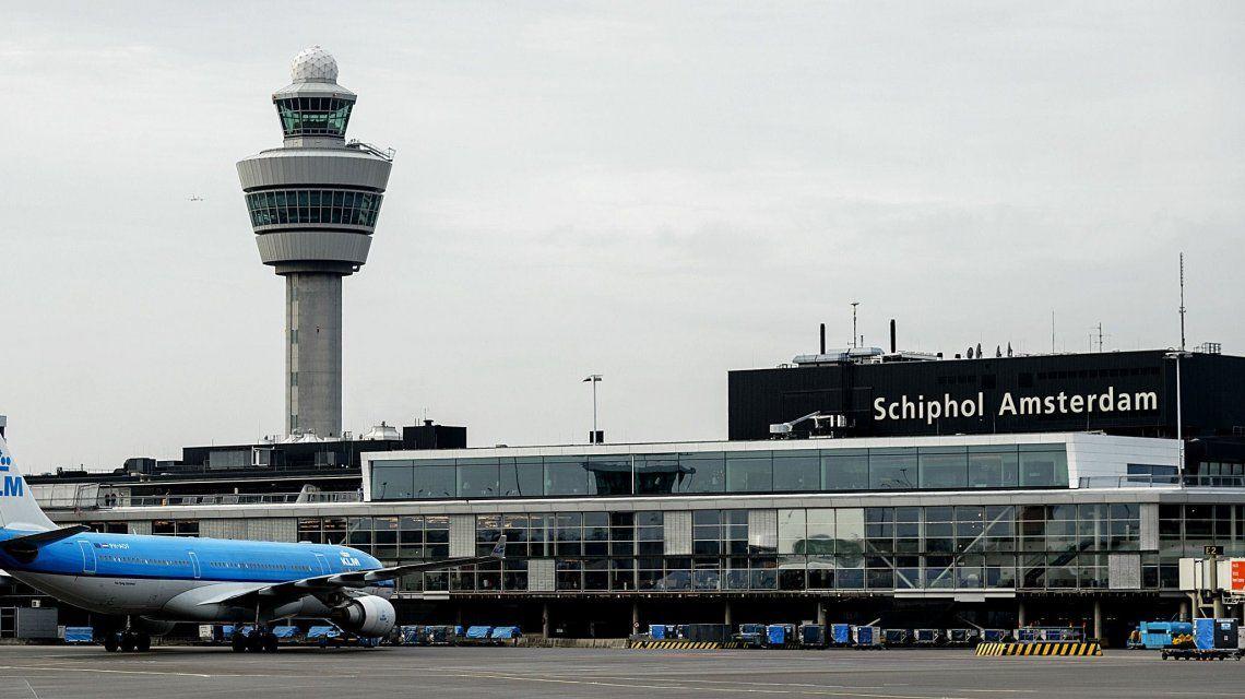Tensión en el Aeropuerto de Ámsterdam: La policía investiga una situación sospechosa