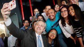 Alberto visitó las oficinas del creador del grupo de Whatsapp de empresarios macristas