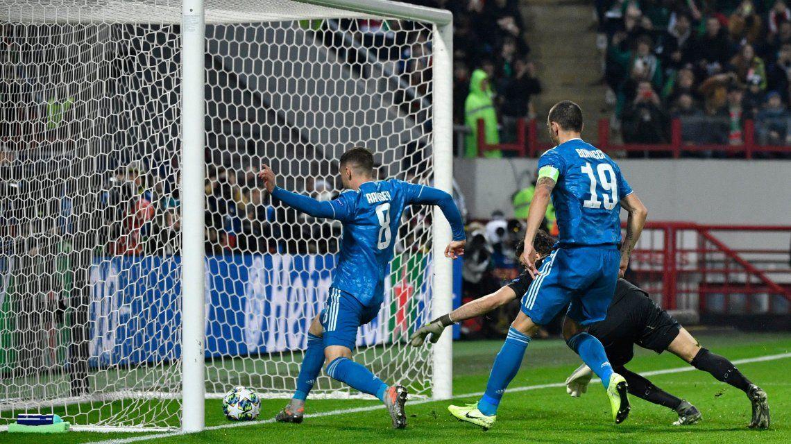 Tiemblan los famosos: Aaron Ramsey marcó un gol