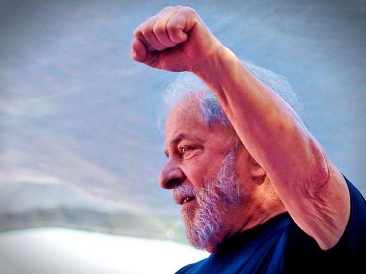 #LulaLivre: Luego de 580 días, el ex presidente Lula da Silva fue finalmente liberado