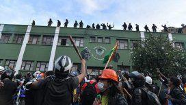 Crece la tensión en Bolivia: se amotinaron los policías que custodian el Palacio Presidencial