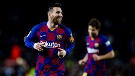 Messi marcó un nuevo hat-trick para el Barcelona que le ganó al Celta y es puntero