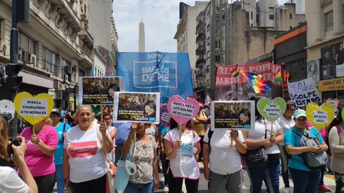 Organizaciones sociales marchan a Plaza de Mayo en repudio al golpe de Estado en Bolivia