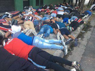 casi 100 barras detenidos en la previa del partido en chacarita - tigre: se enfrentaron a los tiros