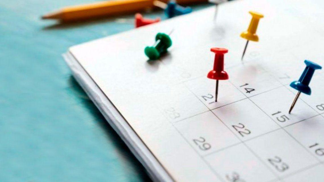 ¿Es feriado el lunes 18 de noviembre?