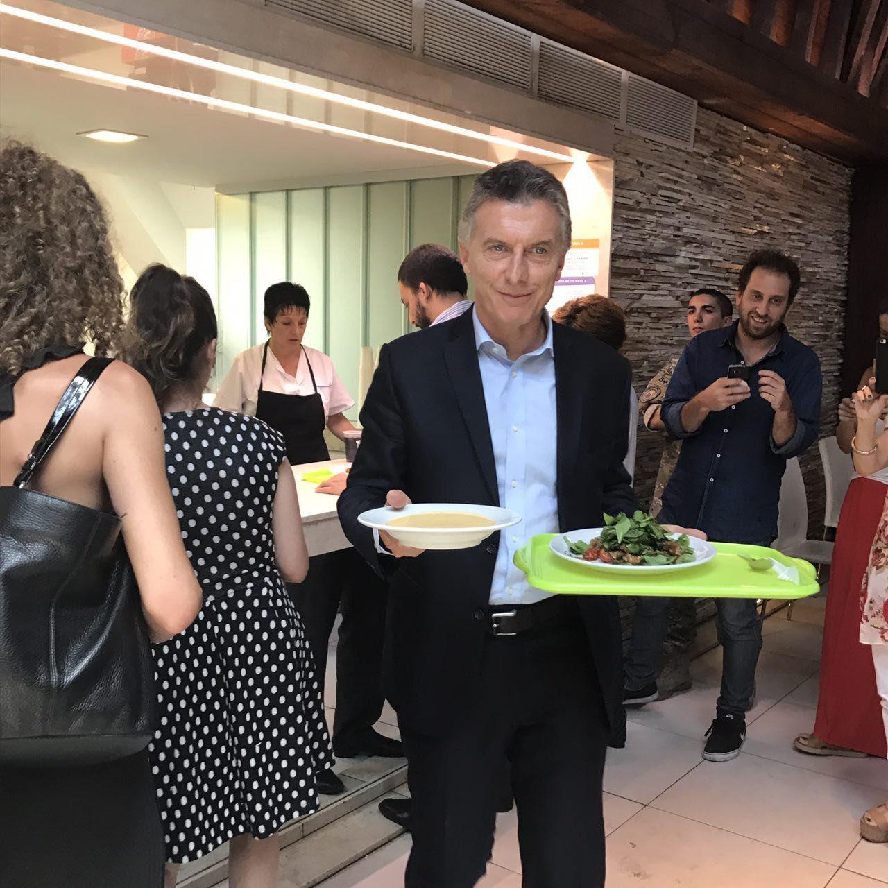 La metáfora de la gestión de Macri: quedaron vacías hasta las heladeras del comedor de la Rosada