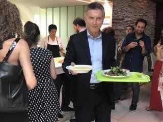 la metafora de la gestion de macri: quedaron vacias hasta las heladeras del comedor de la rosada