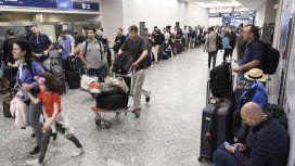 Dólar turista y para ahorro: rige el impuesto y las agencias de viaje ya cobran el 30%