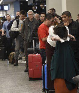 Aeronavegantes realizan un paro sorpresivo que afecta a los vuelos en Ezeiza y Aeroparque