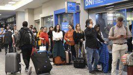Los controladores aéreos paran este viernes: se esperan demoras y cancelaciones de vuelos