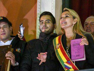 estados unidos, brasil y guaido reconocieron a jeanine anez como presidenta de bolivia