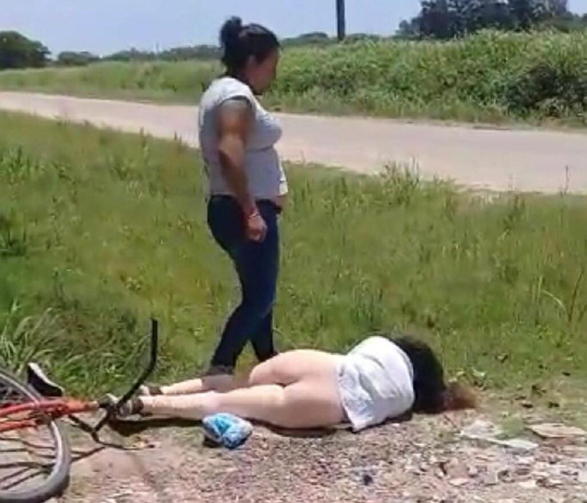 El viral más salvaje: una mujer molió a golpes a otra por una infidelidad