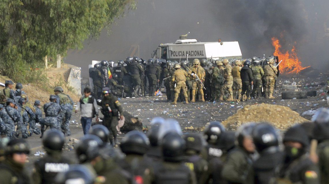 Ascienden a ocho los muertos por la represión en una marcha a favor de Evo Morales en Cochabamba