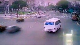 VIDEO: Así fue el choque del jugador de Almirante Brown frente al Obelisco