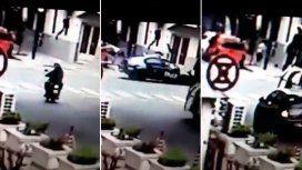 Un patrullero atropelló y mató a una chica que iba en moto con su novio