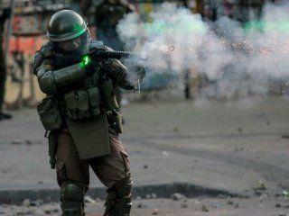 chile: carabineros suspendio el uso de balines en la represion