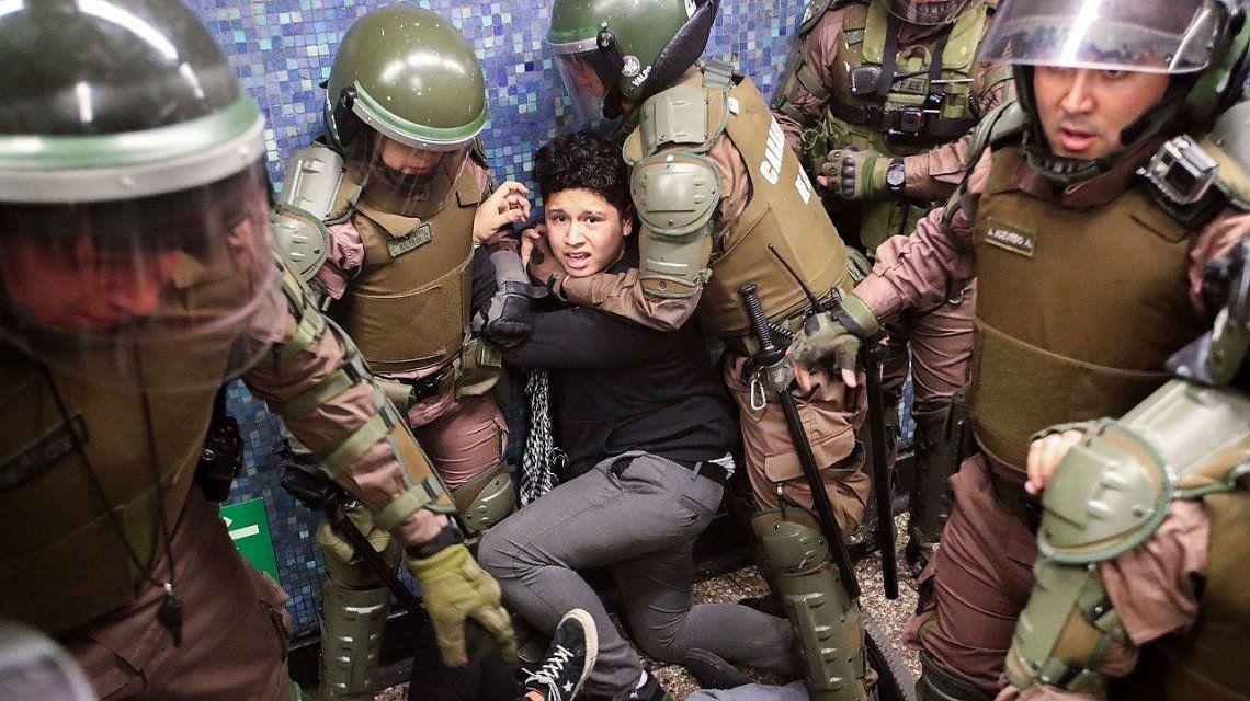 Mujeres y disidencias sexuales, las principales víctimas de la represión en Chile