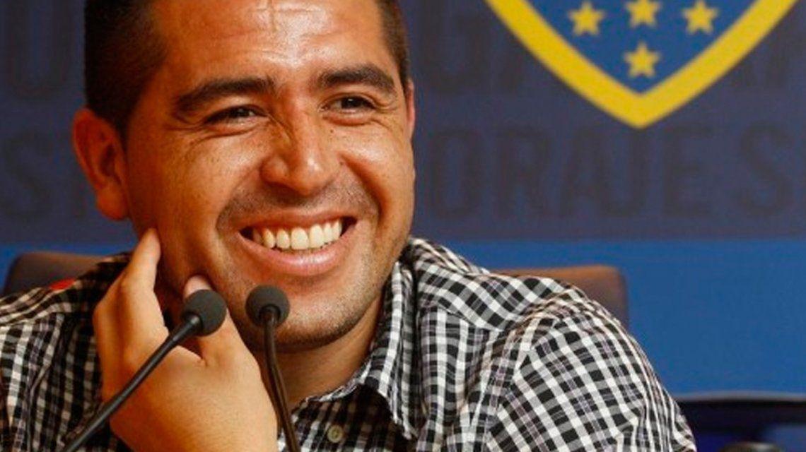 """Ameal quiere juntar firmas para que Riquelme vuelva a jugar en Boca """"por los puntos"""""""