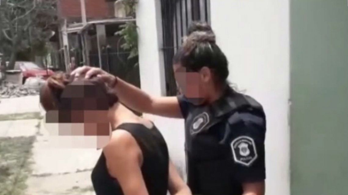 Detuvieron a la adolescente que apuñaló a otra en una escuela de Lanús