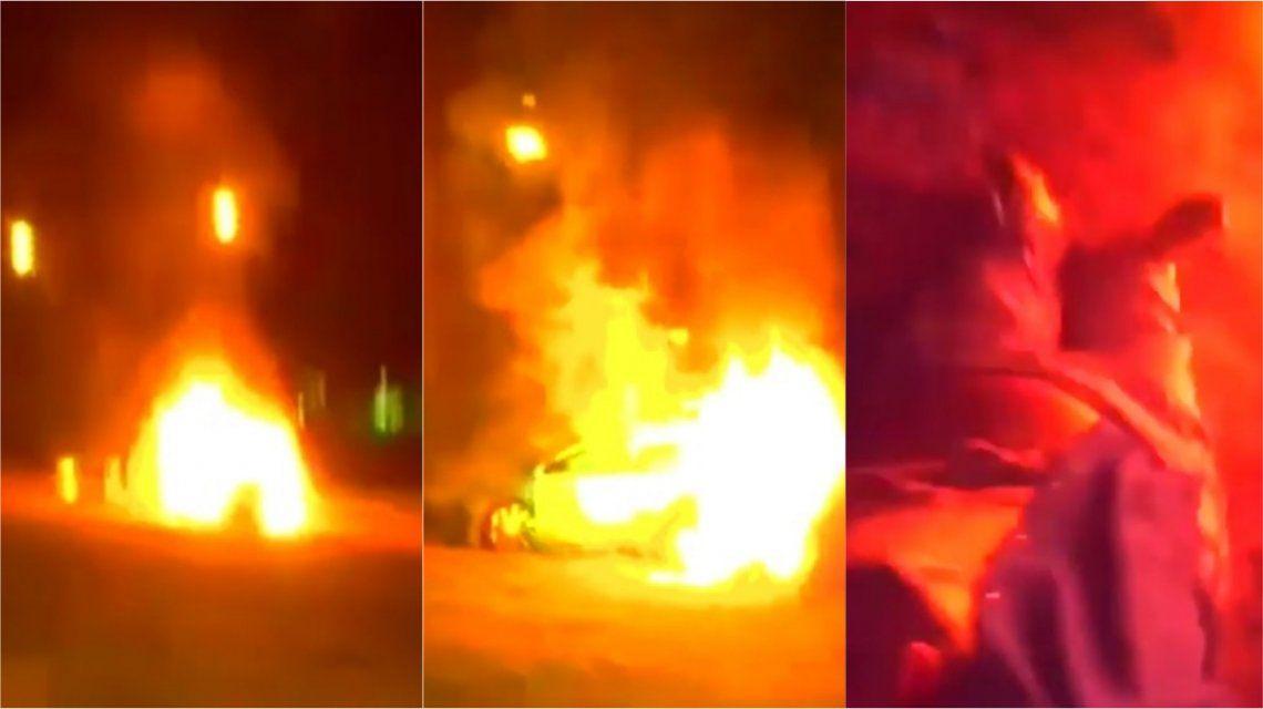 VIDEO: Dramático rescate de una mujer de un auto en llamas