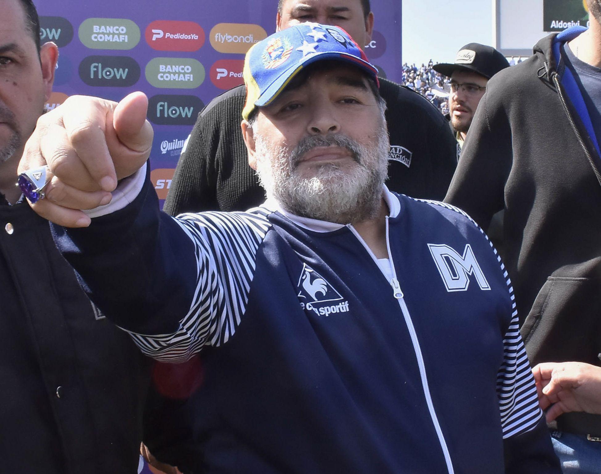 Confirmado: Diego Armando Maradona sigue siendo el DT de Gimnasia