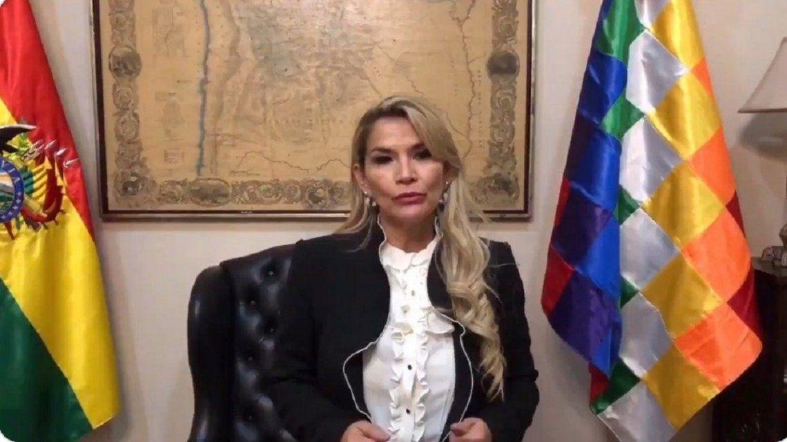 El gobierno de facto de Bolivia convoca a elecciones con la proscripción de Evo Morales