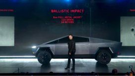Papelón de Elon Musk al presentar la pickup de Tesla