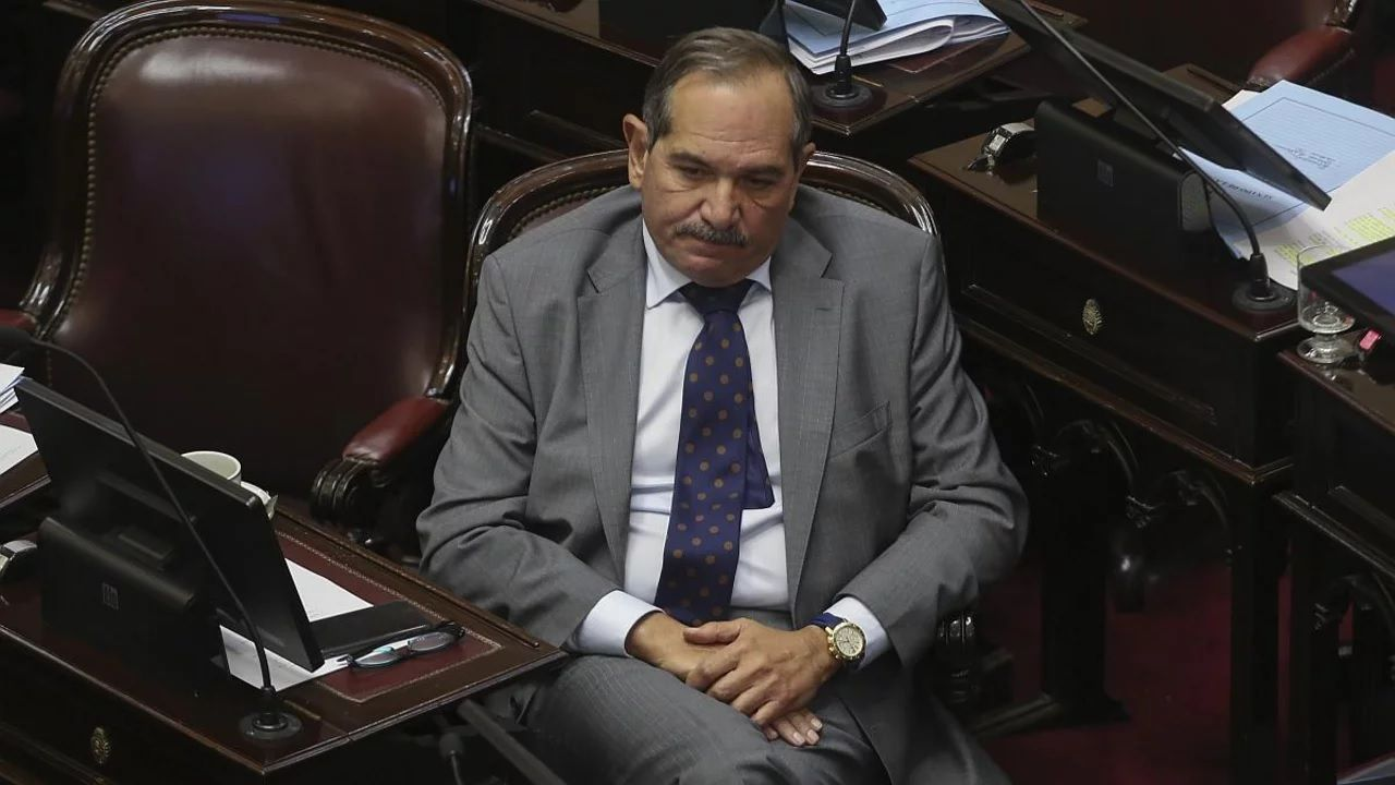 Piden el desafuero de Alperovich por la denuncia de violación a su sobrina