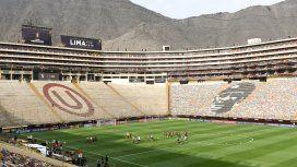 Ingresan los hinchas al Monumental de Lima para la gran final de la Copa Libertadores