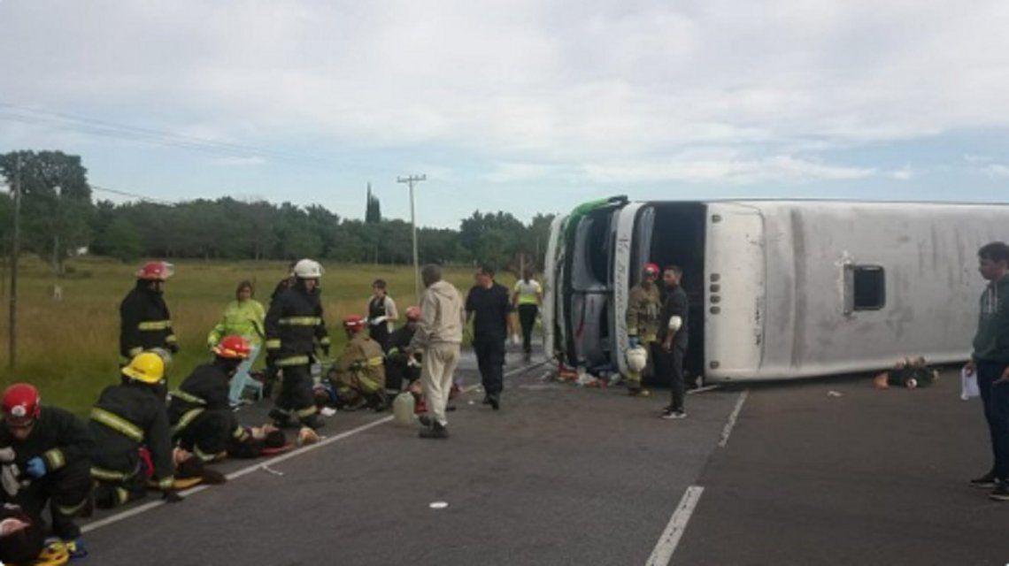 Tragedia en la ruta 2: el chofer del micro quedó aprehendido por homicidio culposo