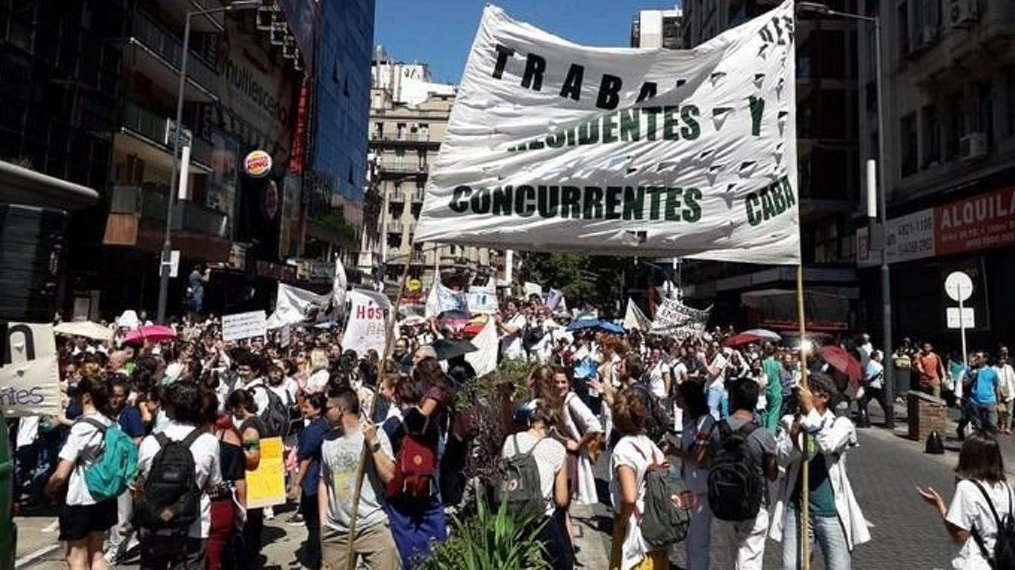 Continúa el paro de los médicos porteños en rechazo a la ley de residentes