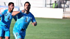 Conmoción en el fútbol peruano: un jugador murió al volcar con su camioneta