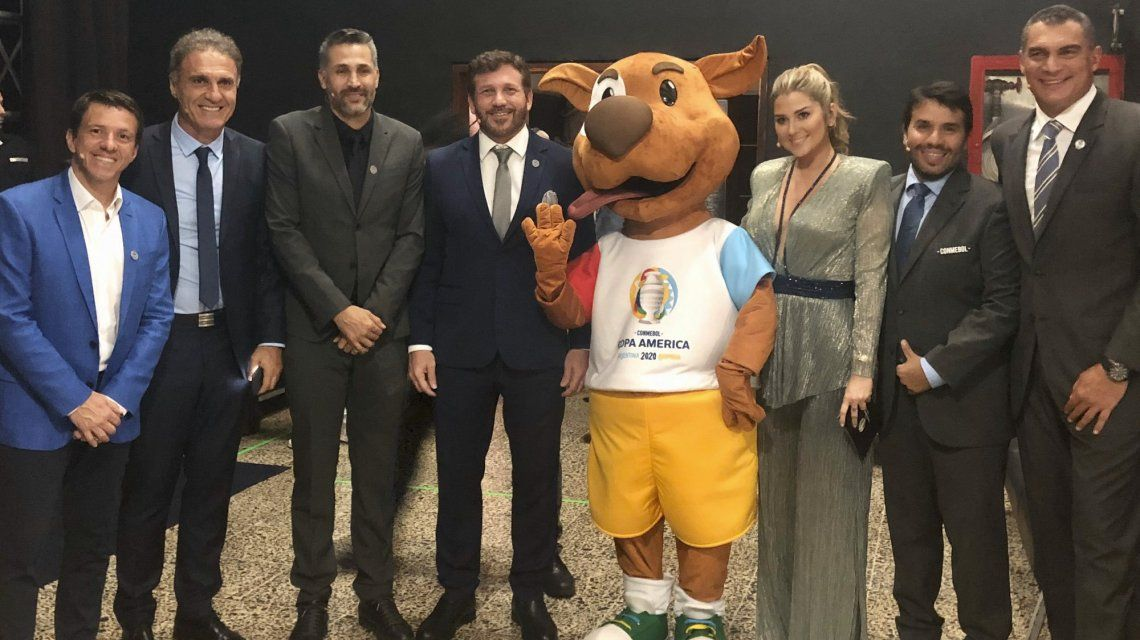 Oscar Ruggeri fue parte del sorteo como embajador de la Selección argentina