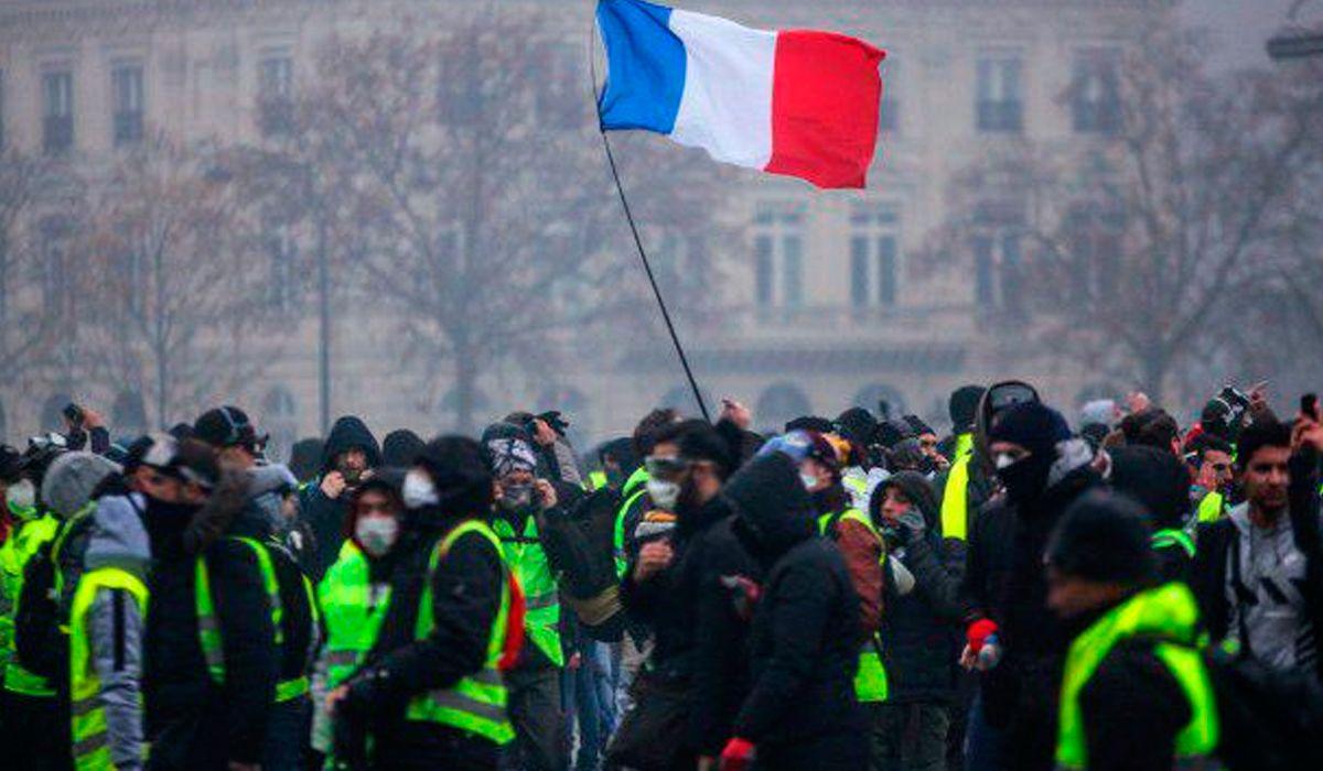 Francia: masiva huelga contra la reforma previsional que impulsa Macron