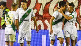Luciano Lollo celebra su gol