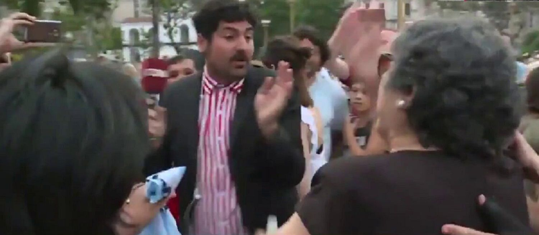 Lautaro Maislin fue insultado y agredido en Plaza de Mayo