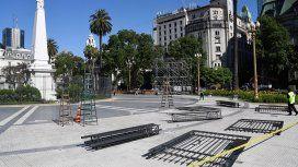 El fin de una era: por pedido de Alberto,quitan las rejas de la Plaza de Mayo