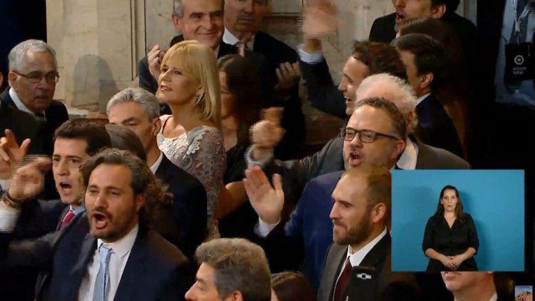 El Congreso le cantó la Marcha Peronista a Macri durante el traspaso presidencial