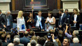 Con la presencia de Alberto y Cristina, Kicillof juró como gobernador de la Provincia