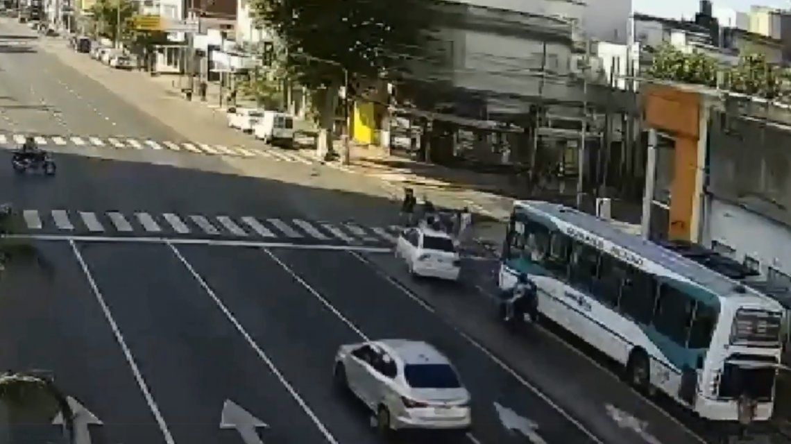 VIDEO: Así fue el trágico choque en Sarandí que dejó tres muertos