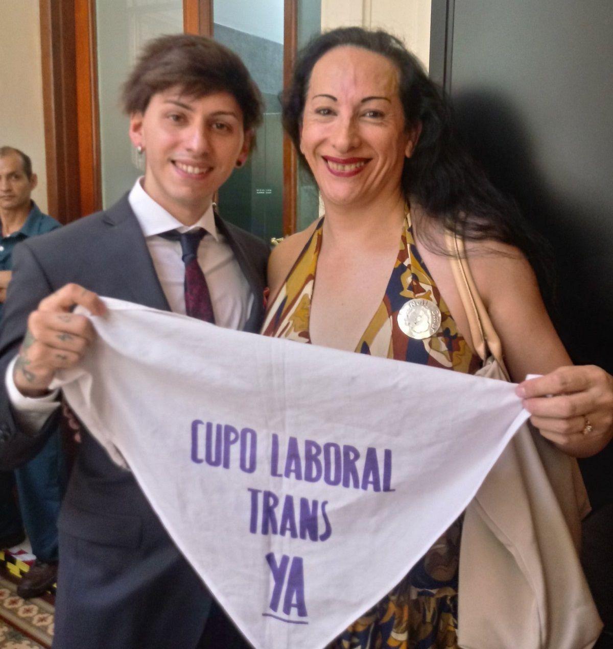 El hijo de Alberto se sumó al reclamo por el cupo laboral trans