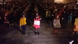 El indignante grito machista que interrumpió una interpretación de Un violador en tu camino en España