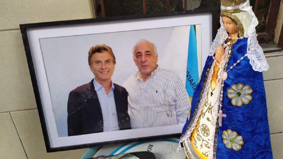 Una foto de Mauricio Macri con Roberto Fernández estaba en el despacho del titular de UTA