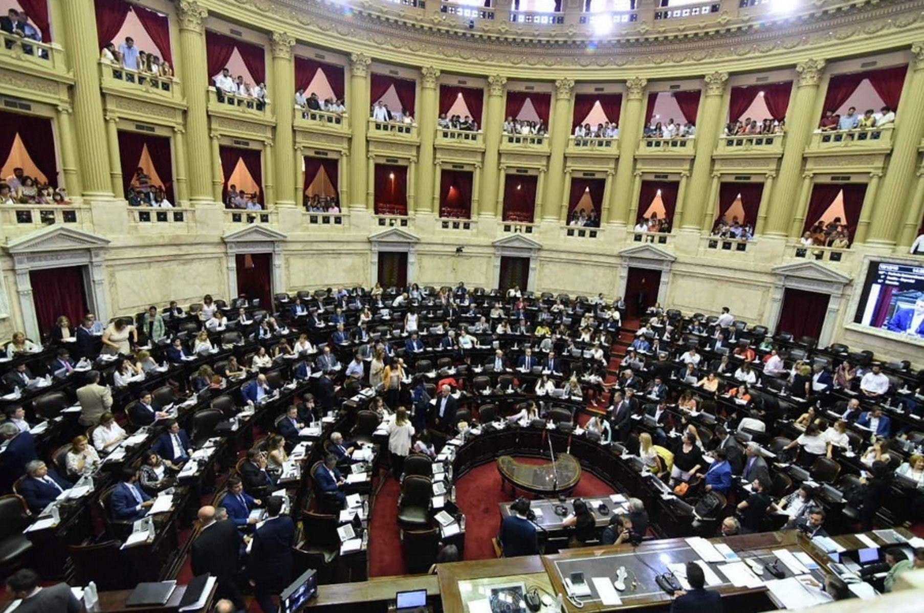 Comenzó la maratónica sesión en Diputados para tratar la Ley de Solidaridad Social