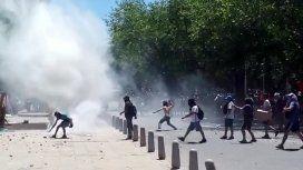 Incidentes y represión en la marcha contra la habilitación de la megaminería en Mendoza