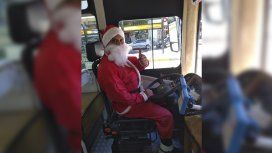 Antes de la Navidad, Papá Noel maneja un 39