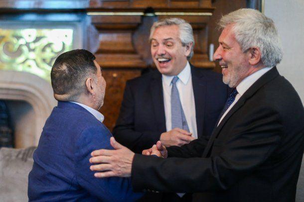 Diergo Maradona, Alberto Fernández y Claudio Ferreño